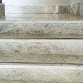 Granit ve mermer merdiven